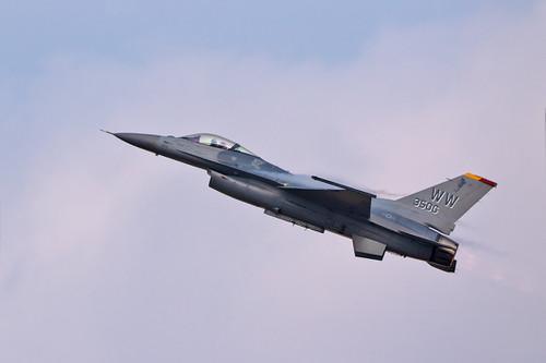 F1615